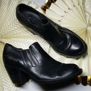 Born Heeled Black Booties size 9.5